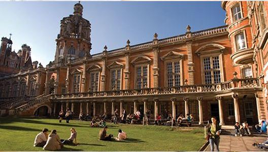 Mendalami Geografi Royal Holloway di Inggris