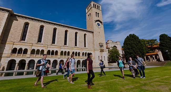 Jalur Foundation dan Diploma Terbaik Taylors College Perth ke UWA