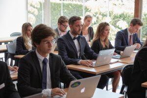 mahasiswa jurusan perhotelan