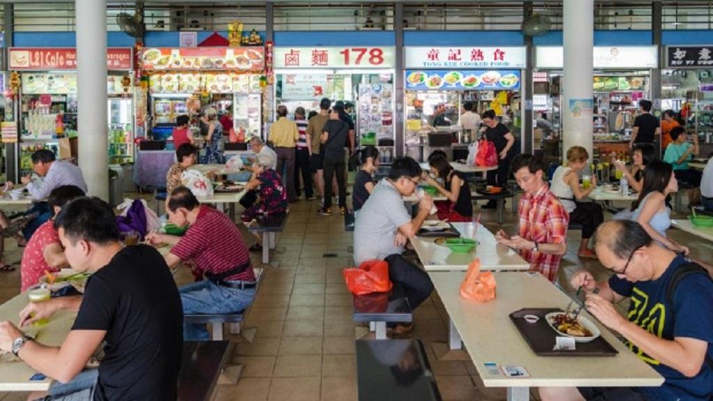 biaya makan di Singapore