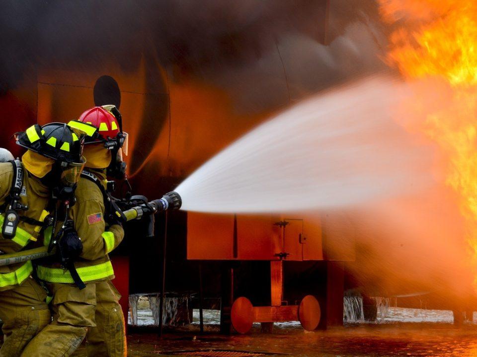 Fire Protection and Safety Technology / Teknologi pemadam kebakaran dan alat keselamatan